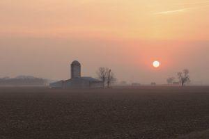 Midwest-farm-land-sunrise-000003143136_Large